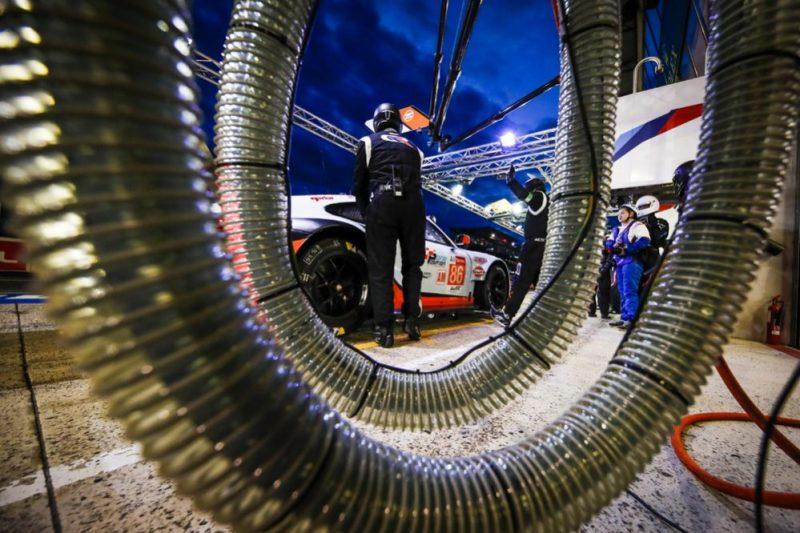 Porsche 911 RSR, Gulf Racing (86), Ben Barker (GB), Thomas Preining (A), Michael Wainwright (GB)