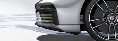 Porsche 911 Turbo S: Porsche Active Aerodynamics (PAA): cooling air flaps open