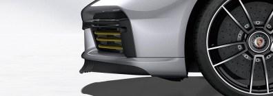 Porsche 911 Turbo S: Porsche Active Aerodynamics (PAA): front spoiler lip extended, cooling air flaps open