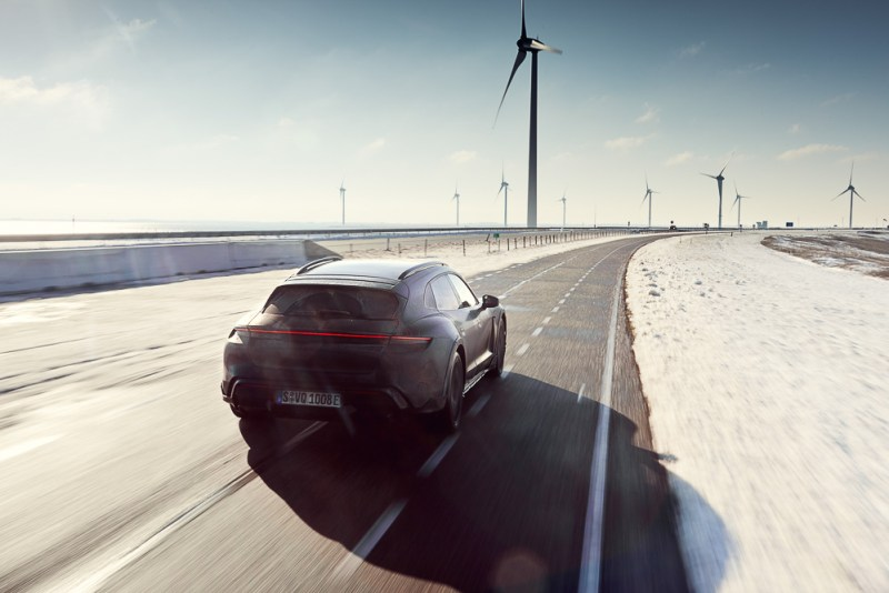 Testing the Porsche Taycan Cross Turismo