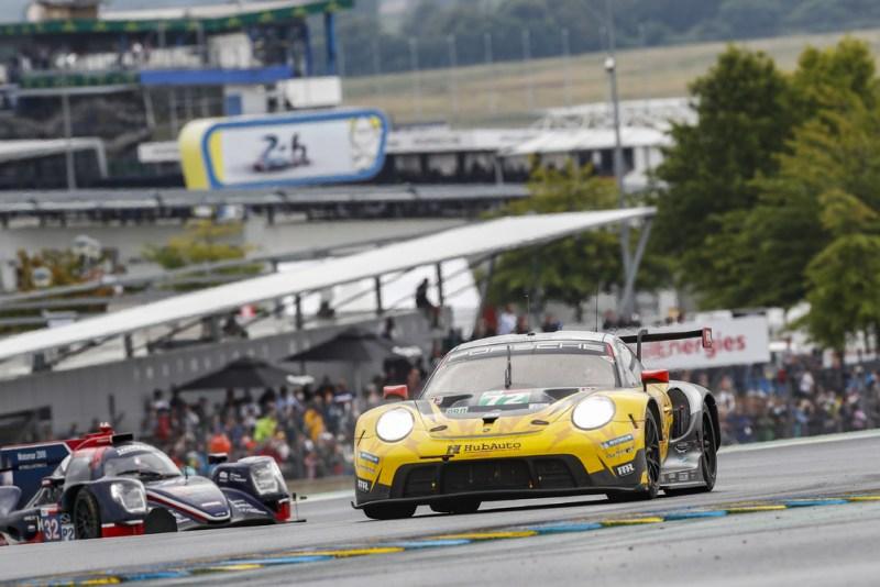 Porsche 911 RSR, HubAuto Racing (#72), Maxime Martin (B), Alvaro Parente (P), Dries Vanthoor (B)