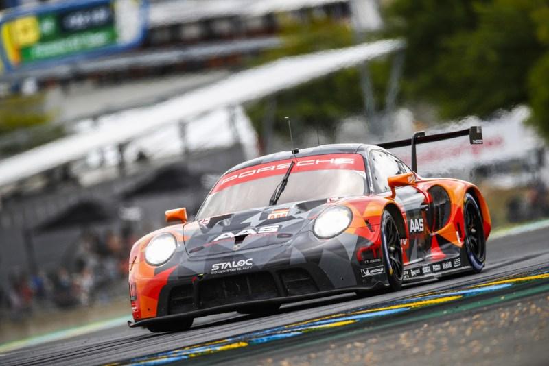 Porsche 911 RSR, Proton Competition (#99), Vutthikorn Inthraphuvasak (T), Florian Latorre (F), Harry Tincknell (GB)
