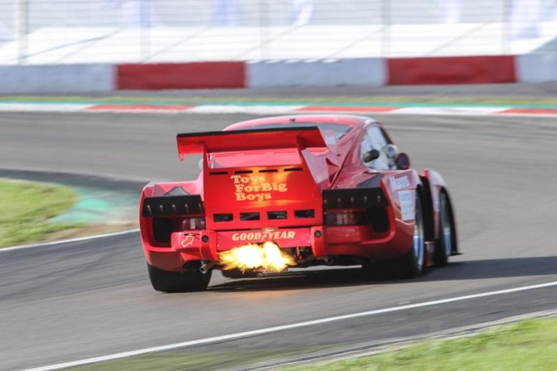Flame spitting Porsche 935 K3