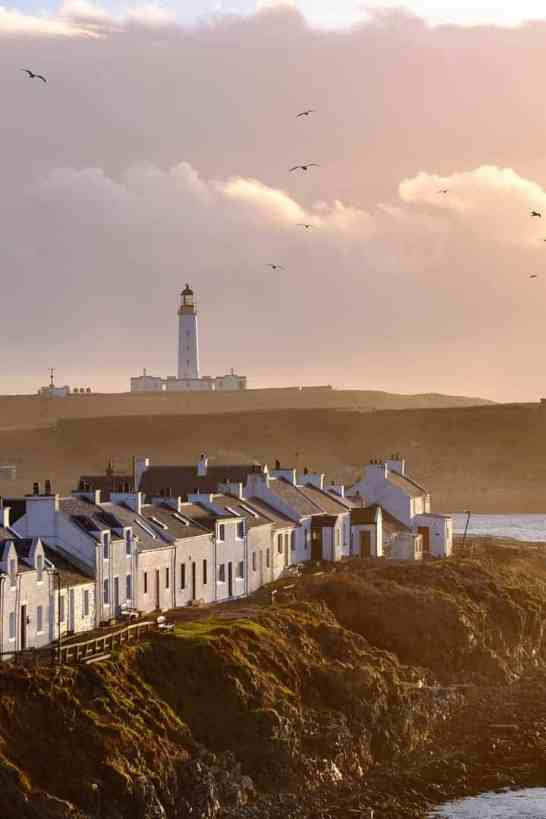 Portnahaven-Islay-lighthouse-verticle