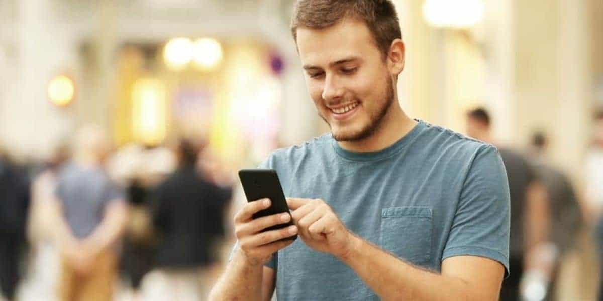 Read more about the article How to make your boyfriend happy over the phone?