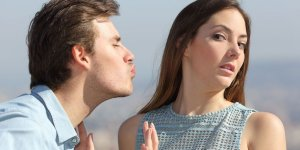 Read more about the article 9 surprising reasons why your girlfriend doesn't want to kiss you.