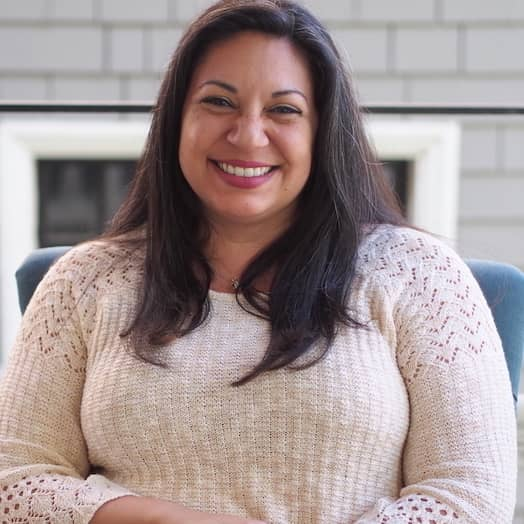 Veronica Perez-Thayer is a Therapist in Sacramento, CA who offers counseling at Love Heal Grow