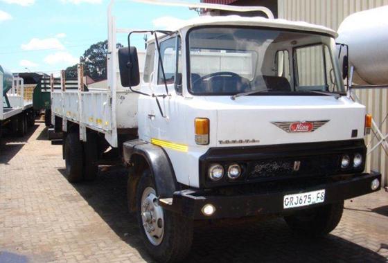 รถบรรทุก 6 ล้อใหญ่ รุ่น KR300,320 และ 360