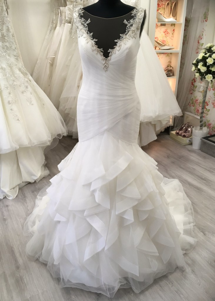 Pronovias Ruffle Fishtail (2)