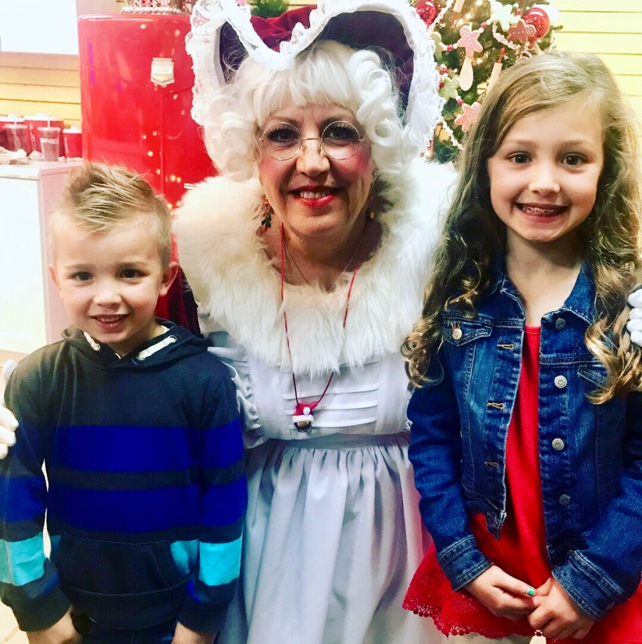 kids with Mrs. Claus