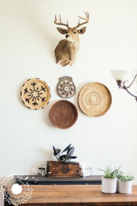Decorating around antlers {www.lovelyweeds.com}
