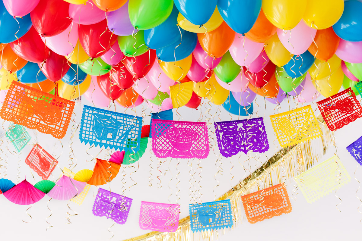 DIY Fiesta Balloon Ceiling1
