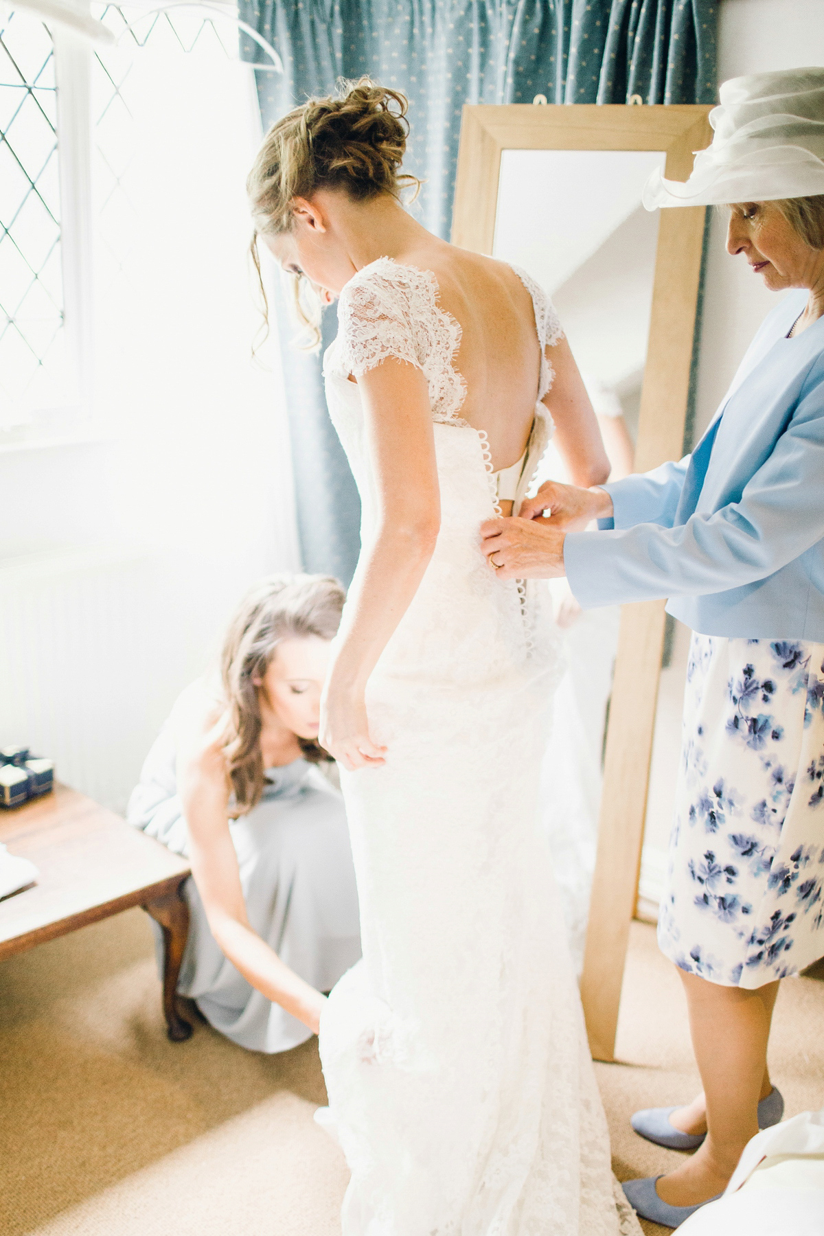 Stewart Parvin Lace For A Pretty Wildflower Tipi Wedding