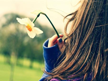 Girls DP for Whatsapp girl with flower in hand dp picture