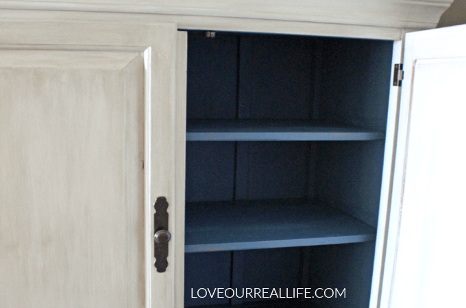 Painted furniture, chalk paint, white chalk paint, blue chalk paint, calcium carbonate chalk paint, DIY furniture makeover