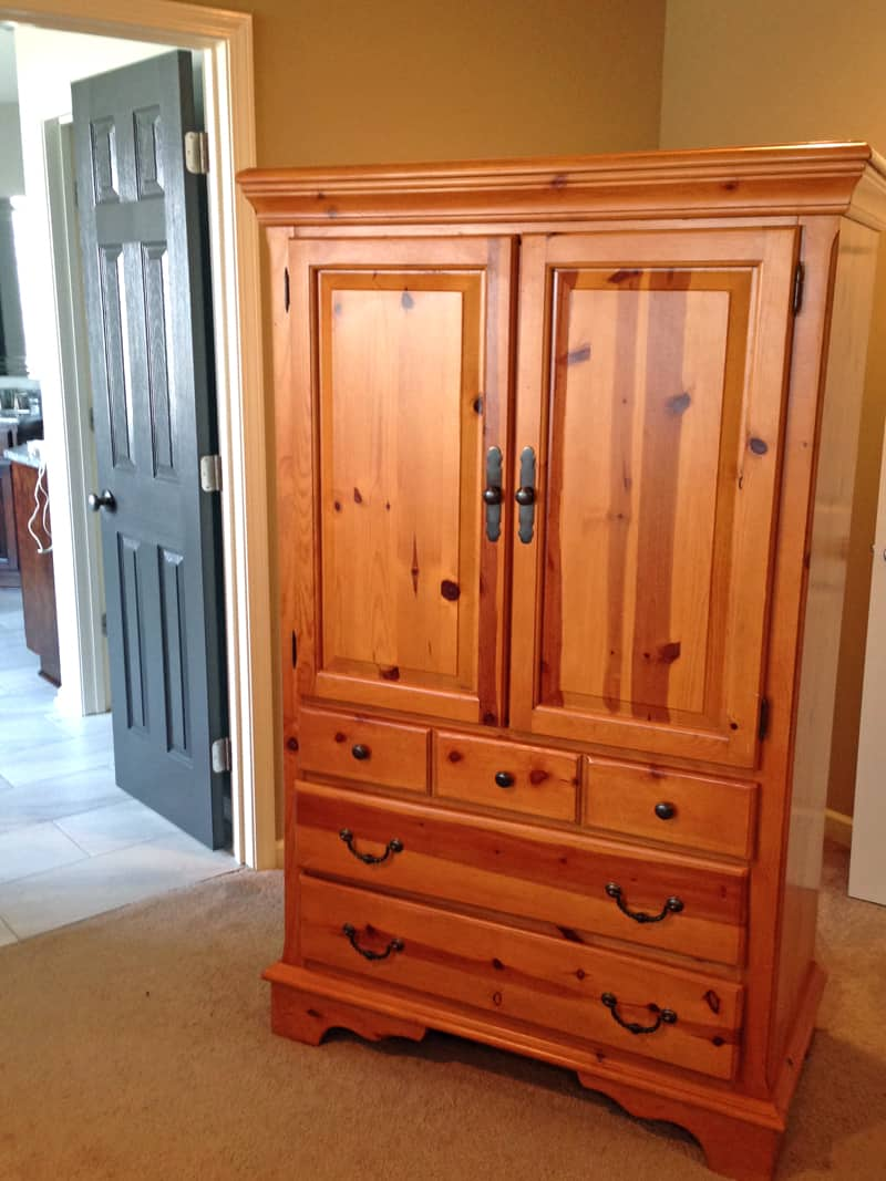 Knotty pine furniture makeover, before and after furniture, chalk paint, Annie Sloan