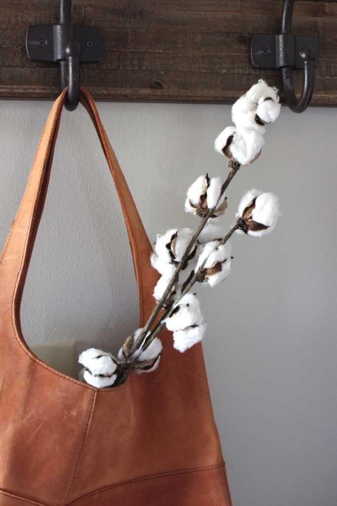 farmhouse entry, rustic entry, raw cotton floral stems, Magnolia bag