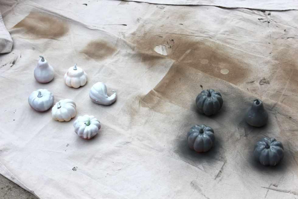 DIY pumpkin, diy fall decor, diy pumpkins using paint, spray paint crafts, metallic acrylic paint crafts