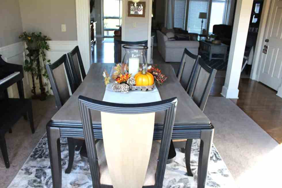 kitchen table transformation with chalk paint, dining table makeover