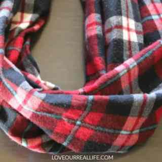 Beginner's Guide to a Simple Infinity Scarf