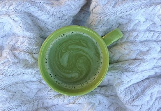 raw vanilla bean matcha latte