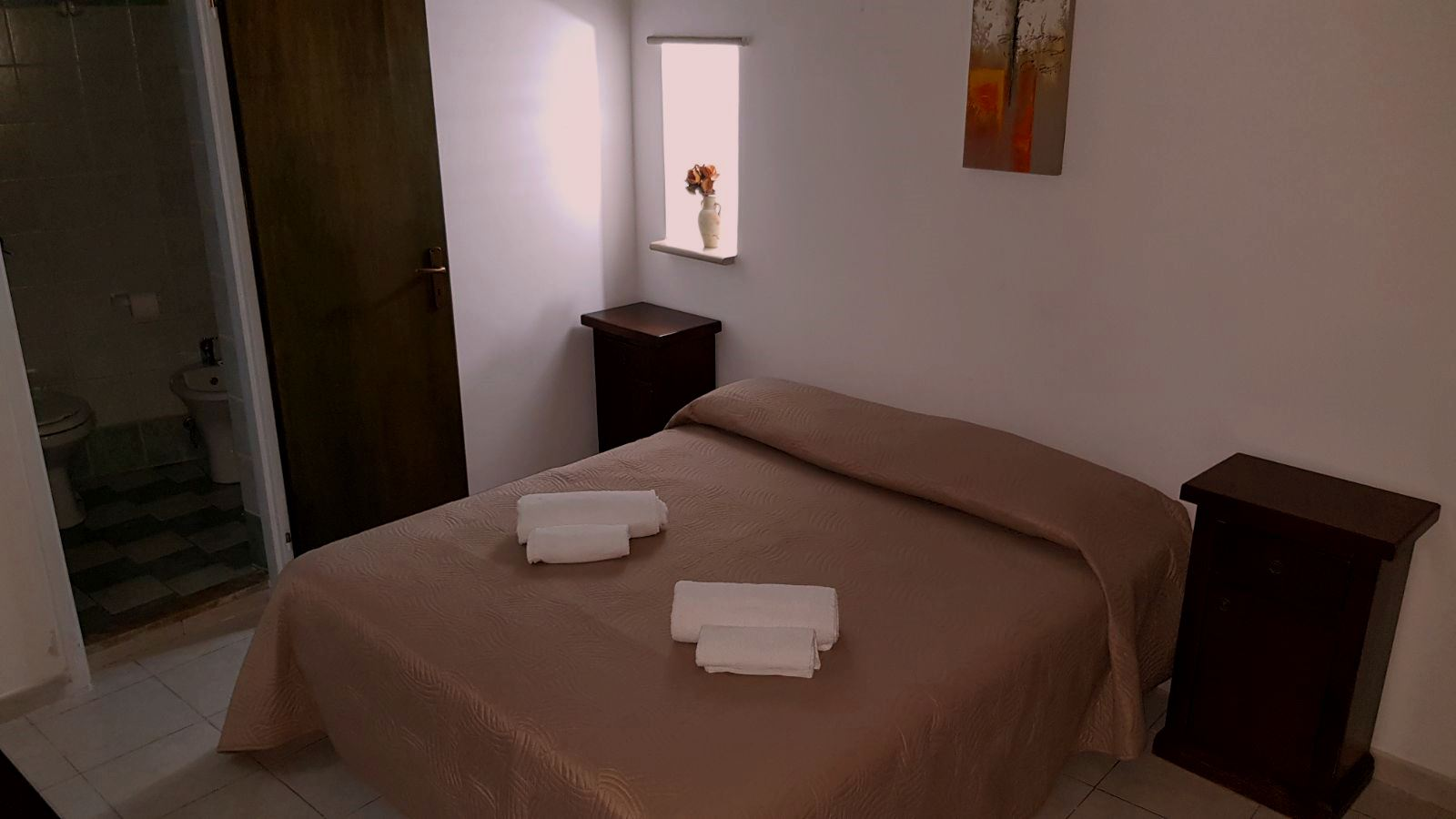 Camera matrimoniale - bagno in camera- piano terra - Love Sicily 35