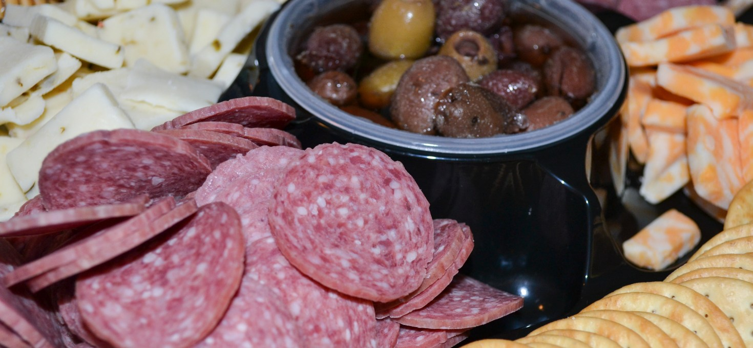 Hormel Gatherings Party Trays make the perfect stress-free party food! #Giveaway