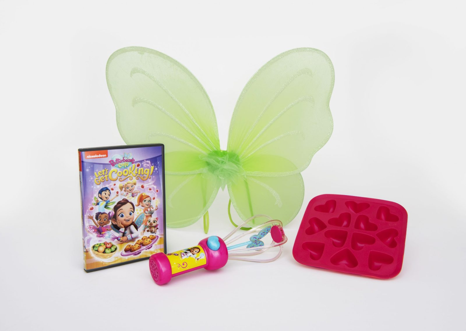 Step into the kitchen and get cooking with the fairy best team! Butterbean's Café: Let's Get Cooking is available now on DVD! Enter the giveaway for a fairy treat kit! #giveaway #paramount #butterbeanscafe