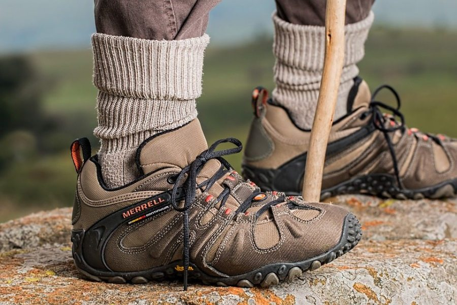 hiking, hiking in fall, hiking shoes, fall, autumn