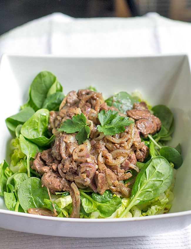 Chicken livers in brandy with spinach and romaine salad