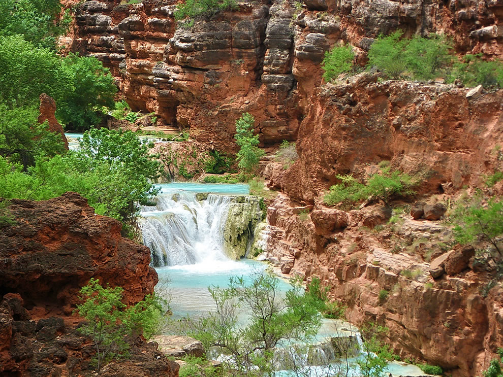 https://i2.wp.com/www.lovethesepics.com/wp-content/uploads/2011/03/Upper-Beaver-Falls-from-trail-Grand-Canyon.jpg