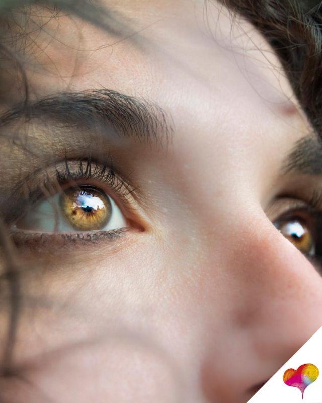 Welcher Concealer bei Augenringen