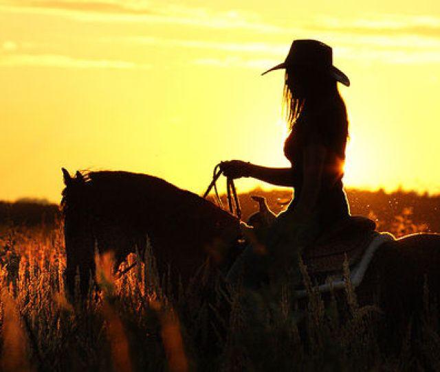 Cowgirl Sillouette