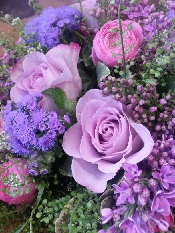 Ageratum Lilacs Amp Ranuncula In Purple Pictures Photos