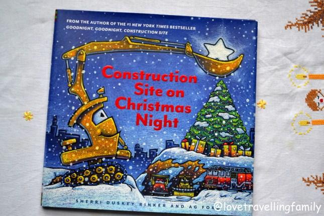 Świątecznych snów kolorowych placu budowy. Construction Site on Christmas Night