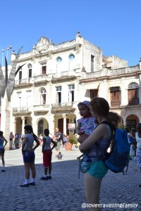 Love travelling family, Plaza Vieja