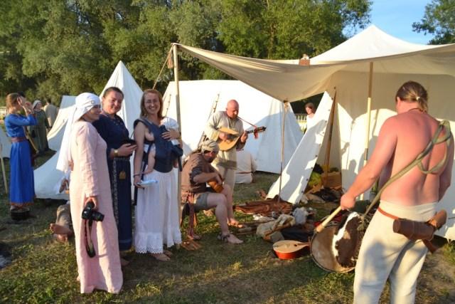 Love travelling family @ Zlot Wojowników Słowian, Bałtów i Wikingów Drohiczyn