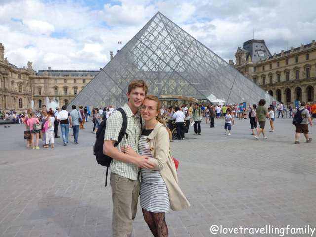 The Louvre, Paris, Love travelling family