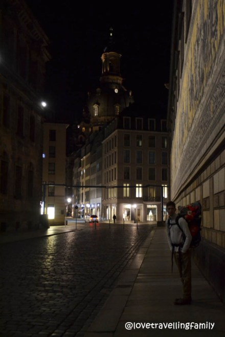 Love travelling family evening walk in Dresden, travelling with kids