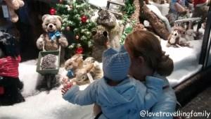 Love travelling family @ Christmas market Munich, Germany Weihnachtsmarkt