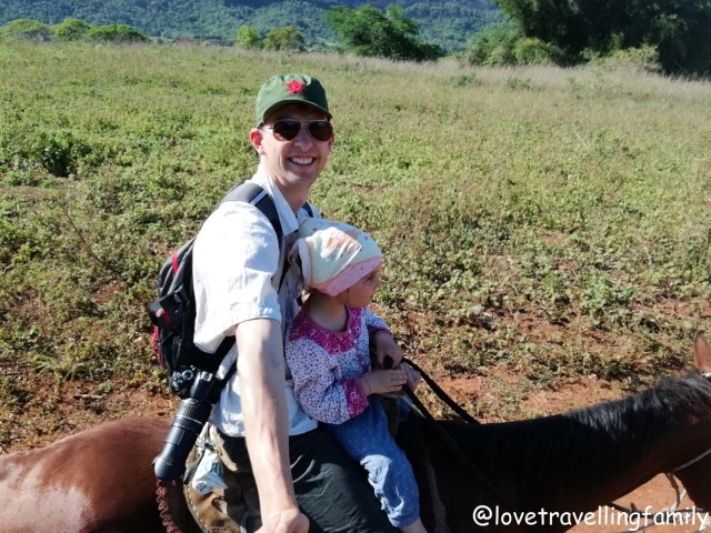 Horse riding Viñales Cuba, Love travelling family