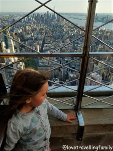 Top of Empire State Building, Love travelling family