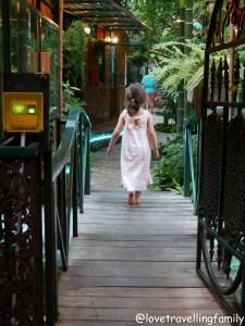 Accommodation in Bangkok. Time Sabai 134 Hostel Love travelling family