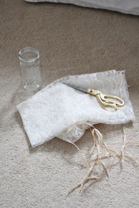 rustic-lace-mason-jar-2