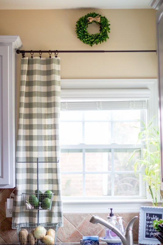 kitchen-window-treatments-5