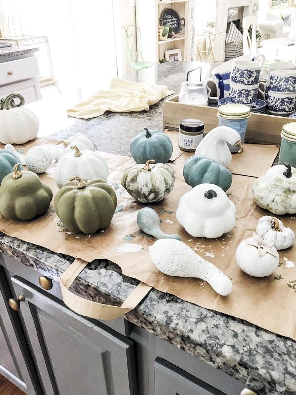 painted-pumpkins-fall-decor-loveyourabode-3