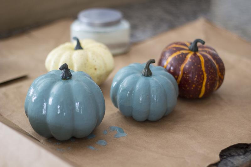 painted-pumpkins-fall-decor-loveyourabode