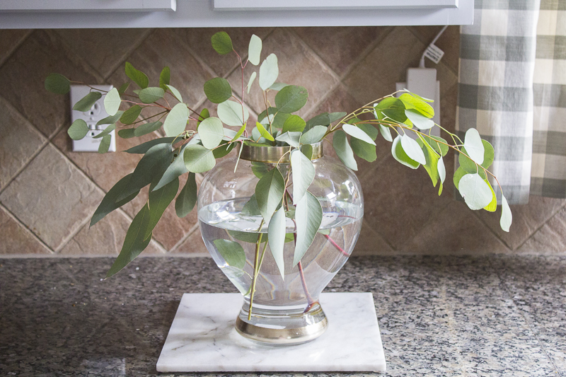 how-to-create-mixed-floral-arrangement | loveyourabode |