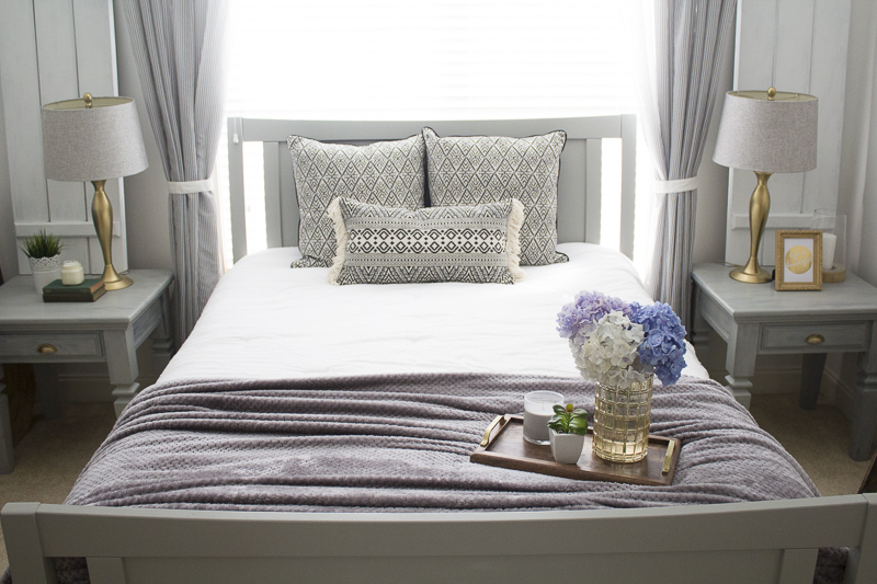 refresh-guest-room-with-pillows | loveyourabode-24