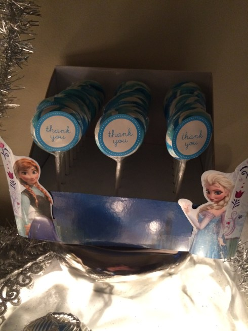 Frozen party favor